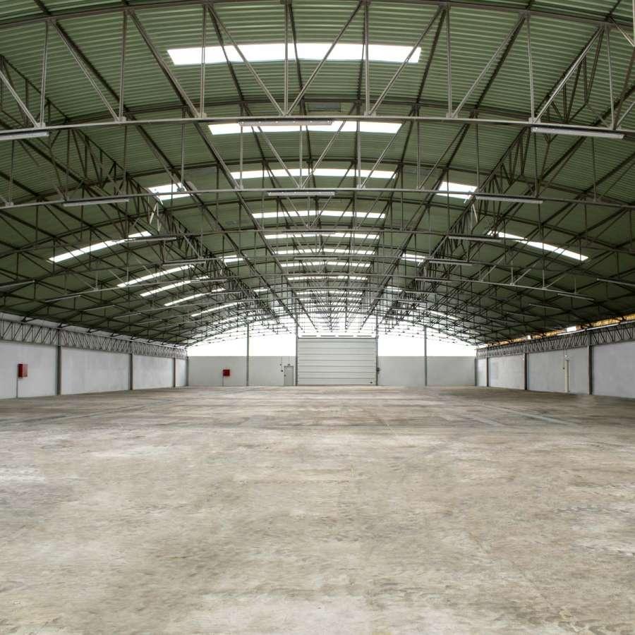 Pavilhão Industrial - Centro Empresarial Feira (1)